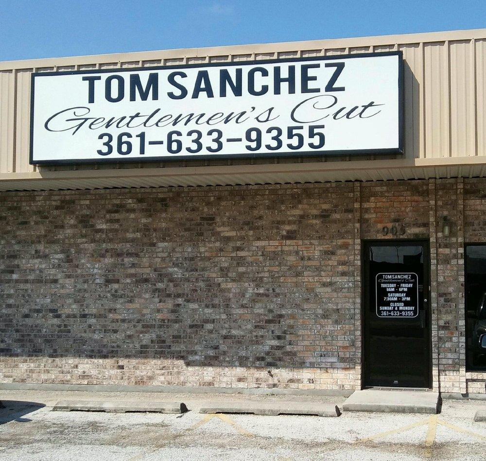 Tom Sanchez Gentlemen's Cut: 905 Dallas St, Portland, TX