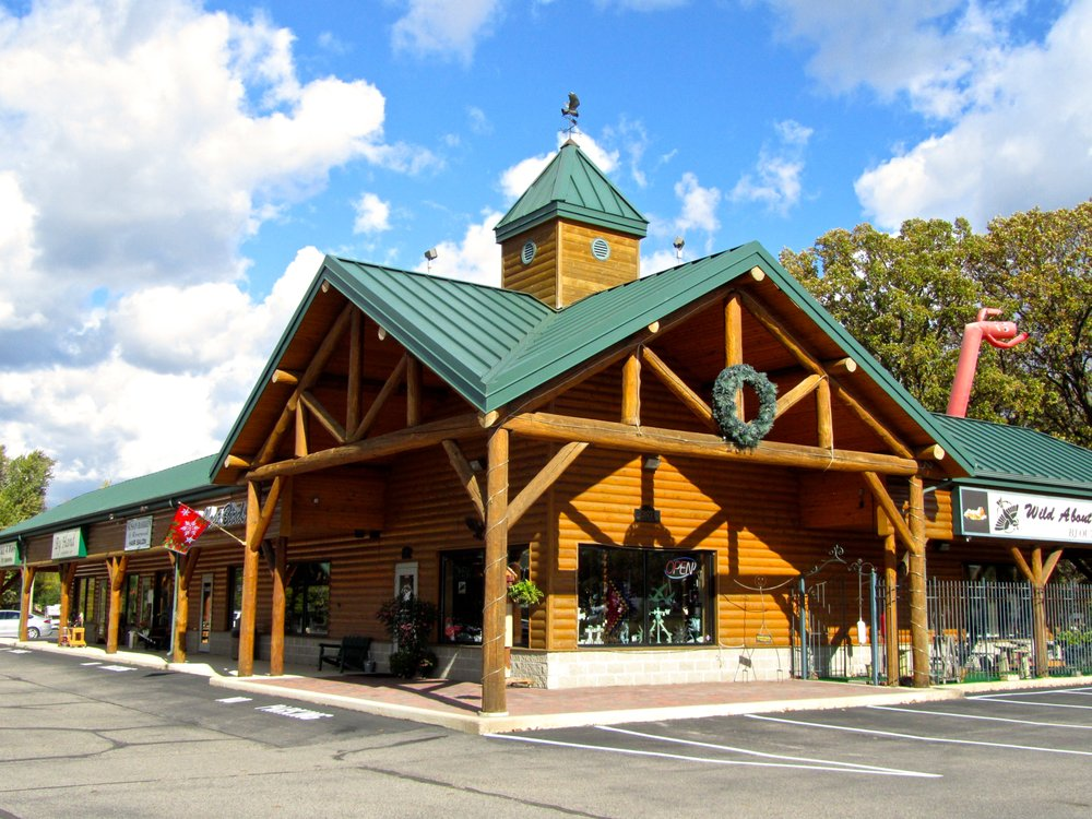 Wild About Birds DYK: 2077 Frontage Rd N, St. Cloud, MN
