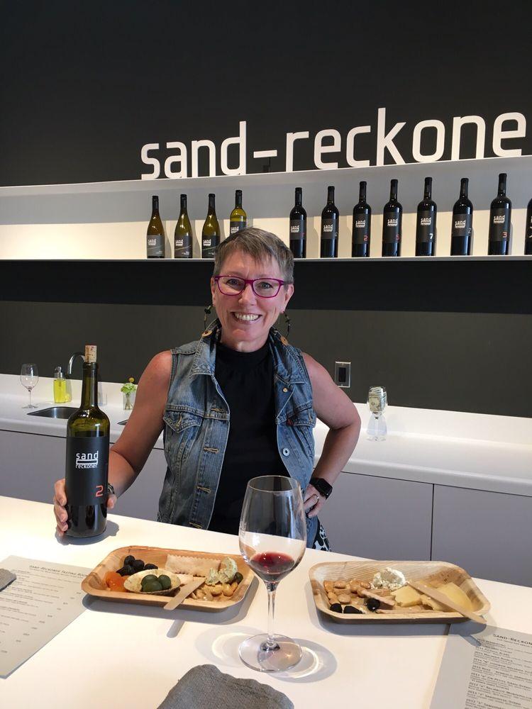 Sand-Reckoner Tasting Room