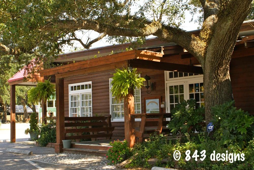 Front door to restaurant yelp for Hot fish club murrells inlet