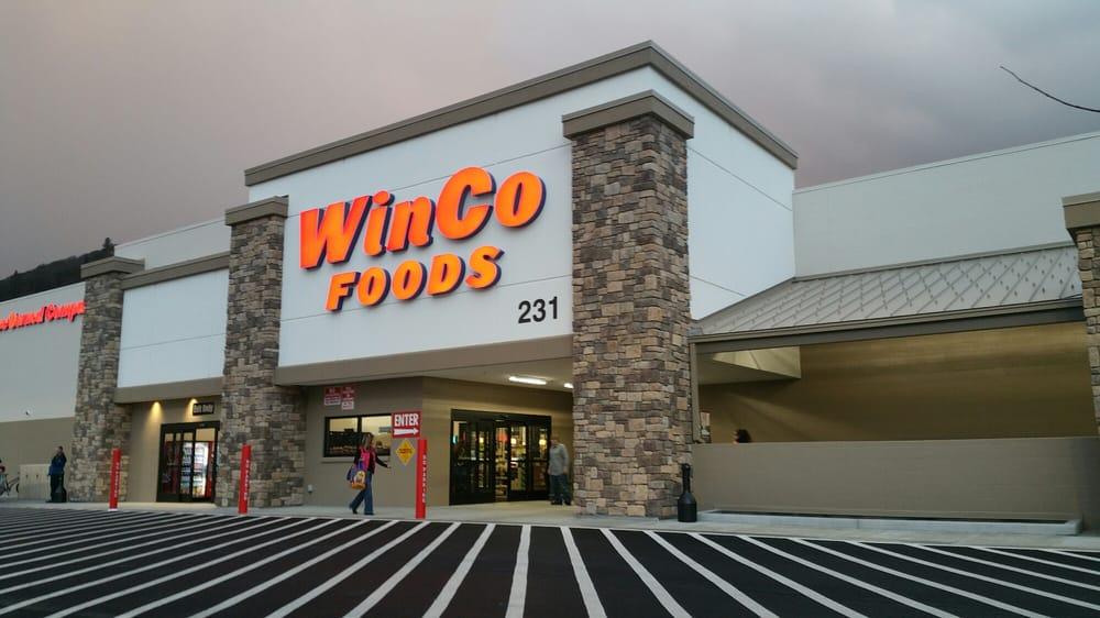 WinCo Foods: 231 NE Terry Ln, Grants Pass, OR