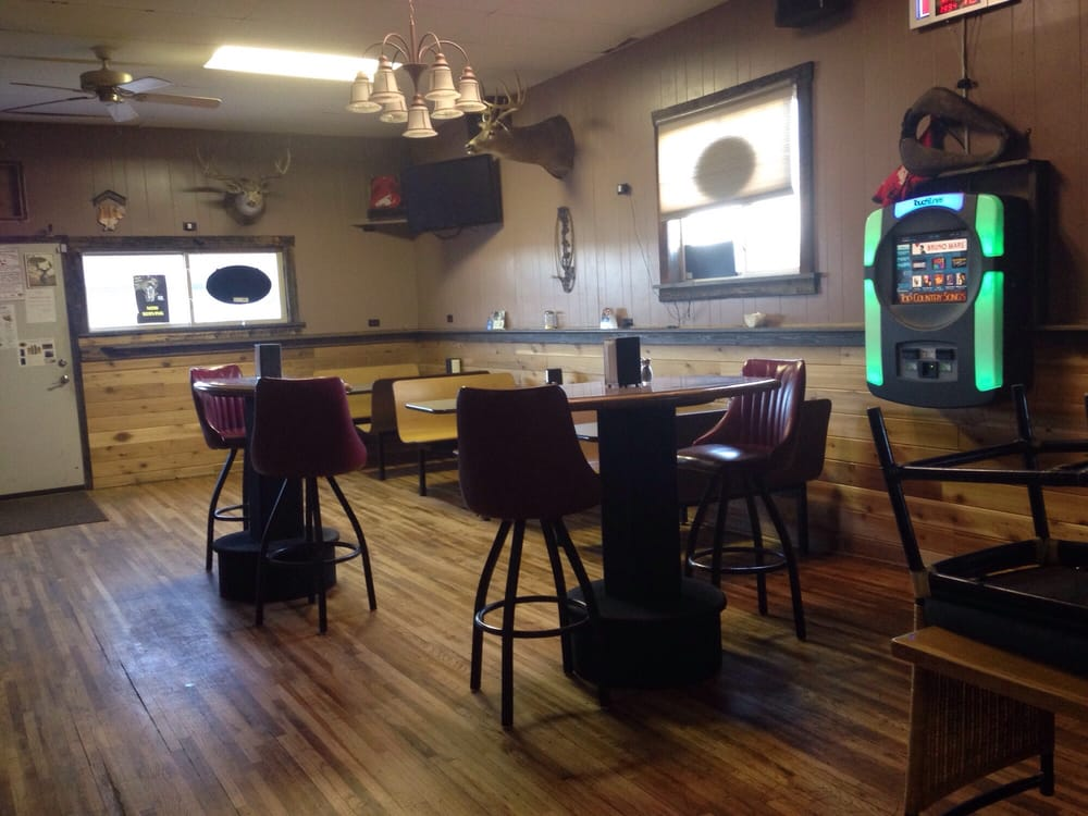 Happy Heifer Bar and Grill: 108 E Main St, Winnett, MT