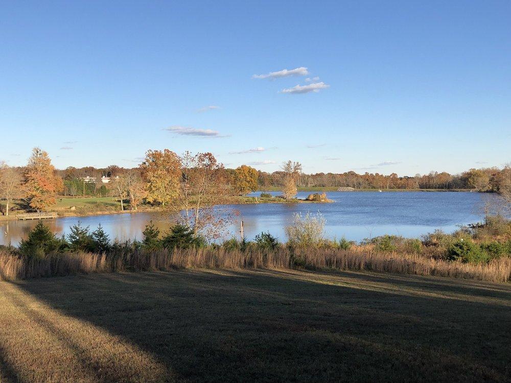 Silver Lake Regional Park: 16198 Silver Lake Rd, Haymarket, VA