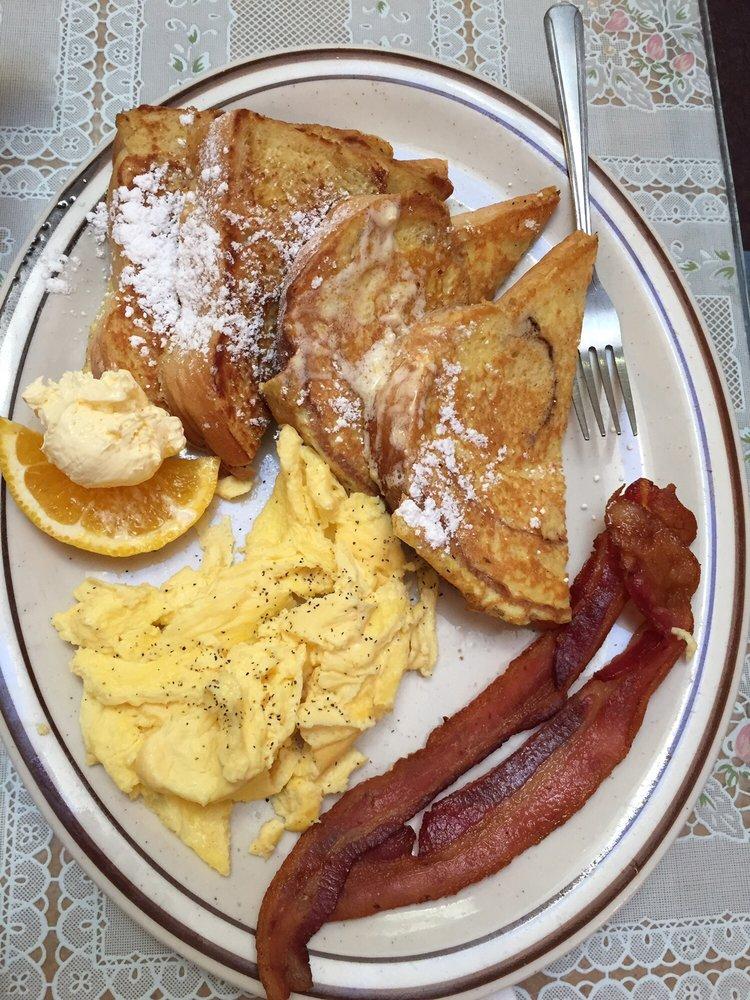 Joy's Bakery & Cafe: 823 Metcalf St, Sedro Woolley, WA