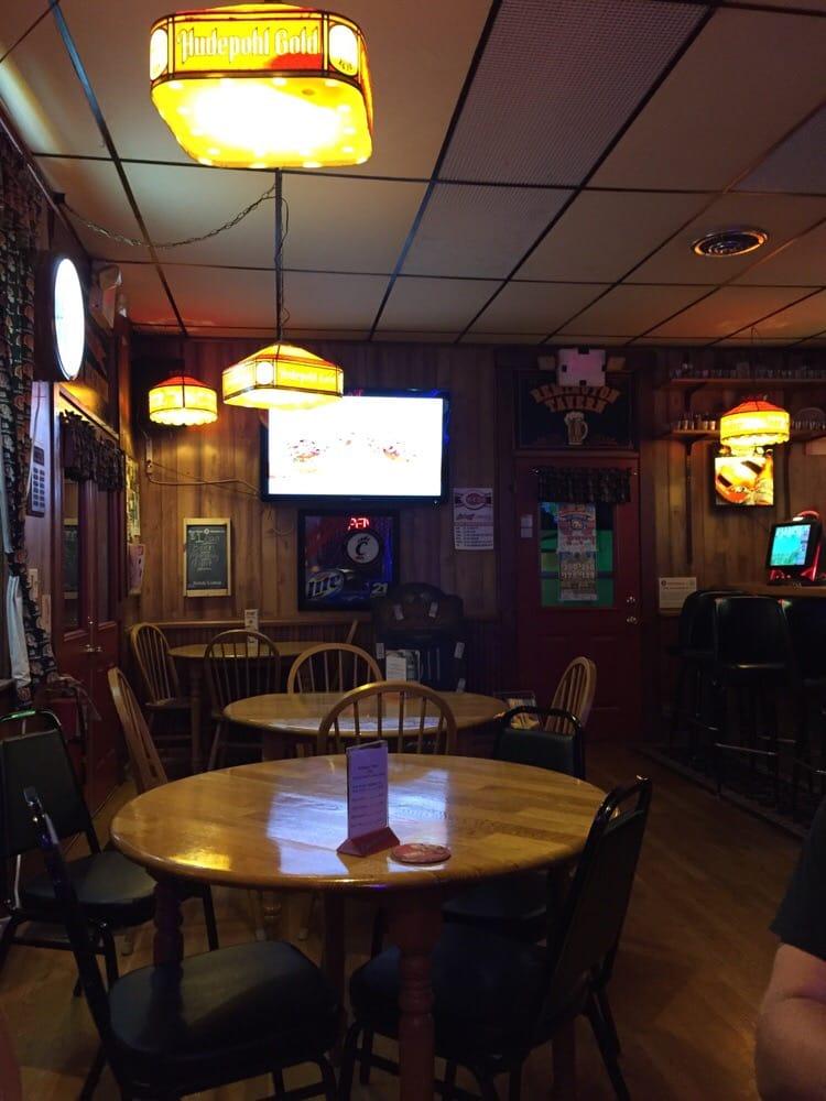 Remington Tavern: 8889 Glendale Milford Rd, Loveland, OH