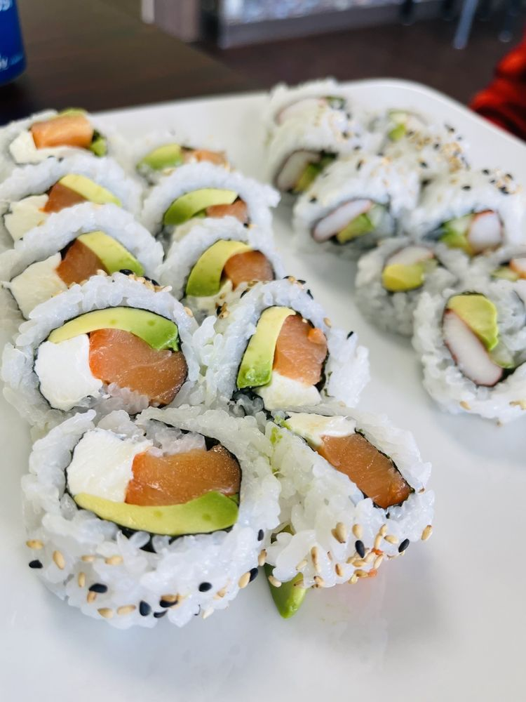 Creek Sushi & Poke: 9517 N Council Rd, Oklahoma City, OK