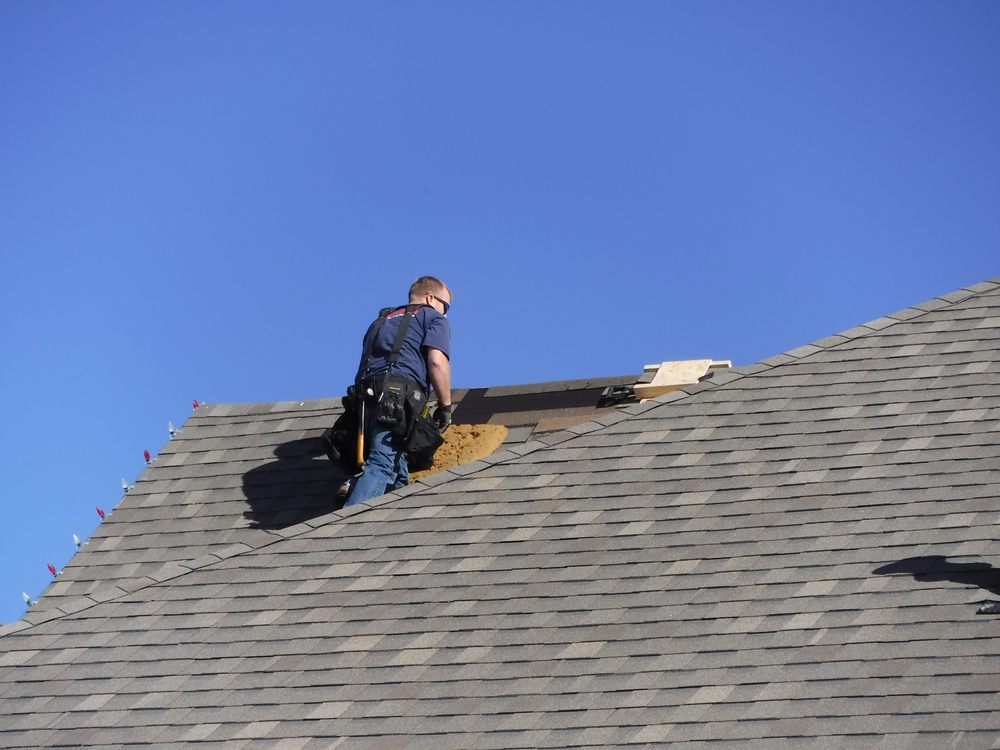 J Riley Roofing: 1917 Stonehill Dr, Justin, TX
