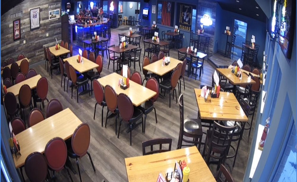 McDingerz Sports Bar & Grill: 131 W Outer Rd, Eolia, MO