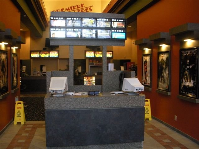 Premiere Theater: 2125 Larrick Rd, Cambridge, OH
