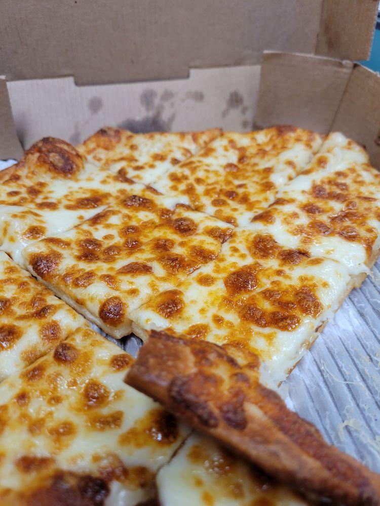 BC Pizza Plainwell/Otsego: 396 Oaks Crossing, Plainwell, MI