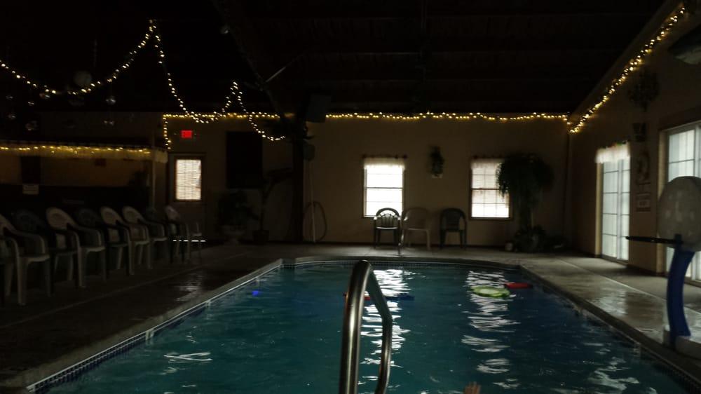 Tuck-em Inn Motel: 2421 Route 6, Hawley, PA
