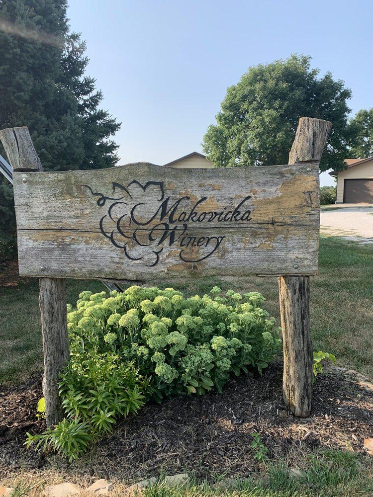 Makovicka Winery: 2091 31st Rd, Brainard, NE