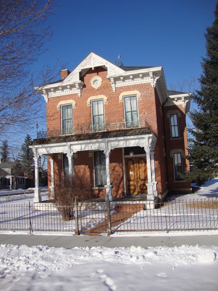 Anderson Jay Antiques: 130 3rd St W, Wabasha, MN
