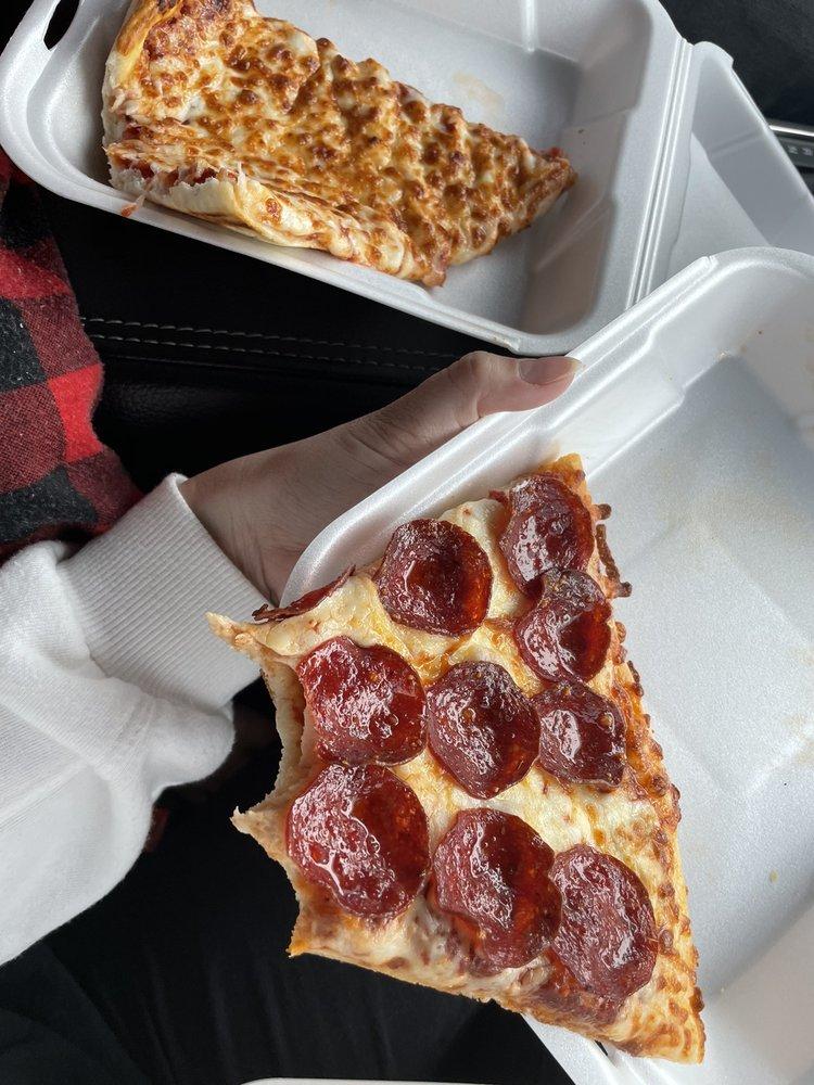 Craigo's Pizza: 1360 N 300th W, Beaver, UT