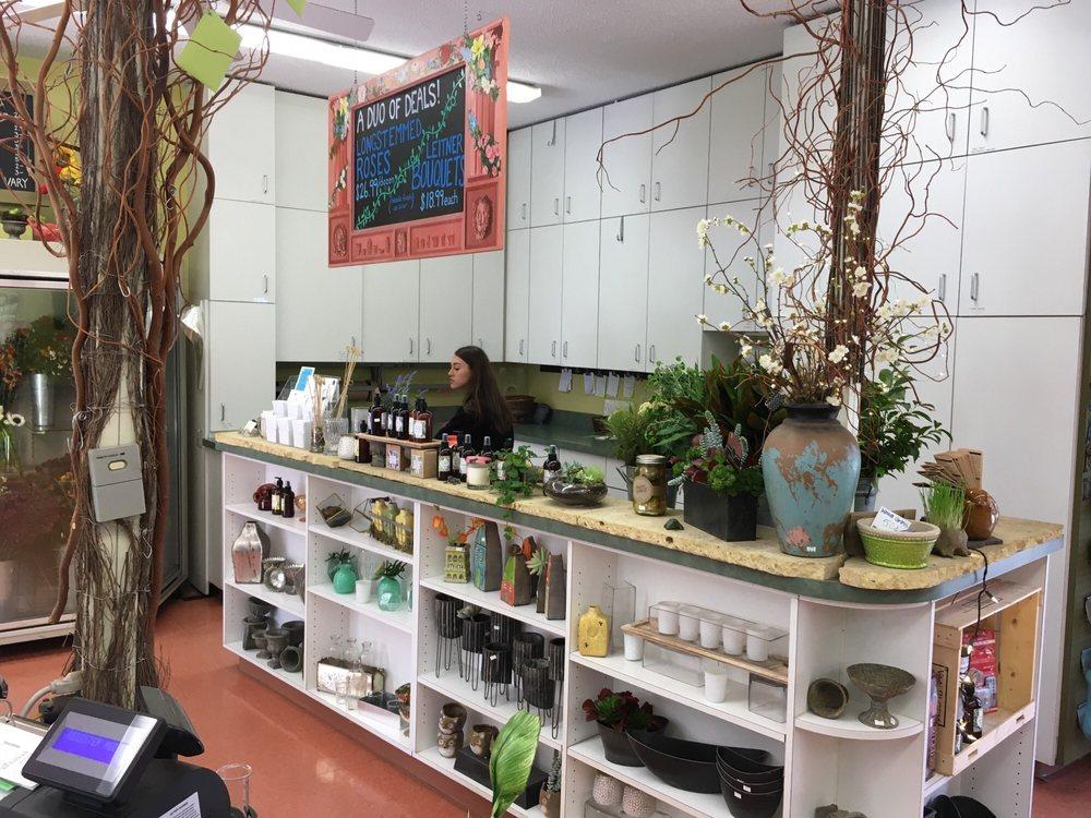 Leitner's Garden Center