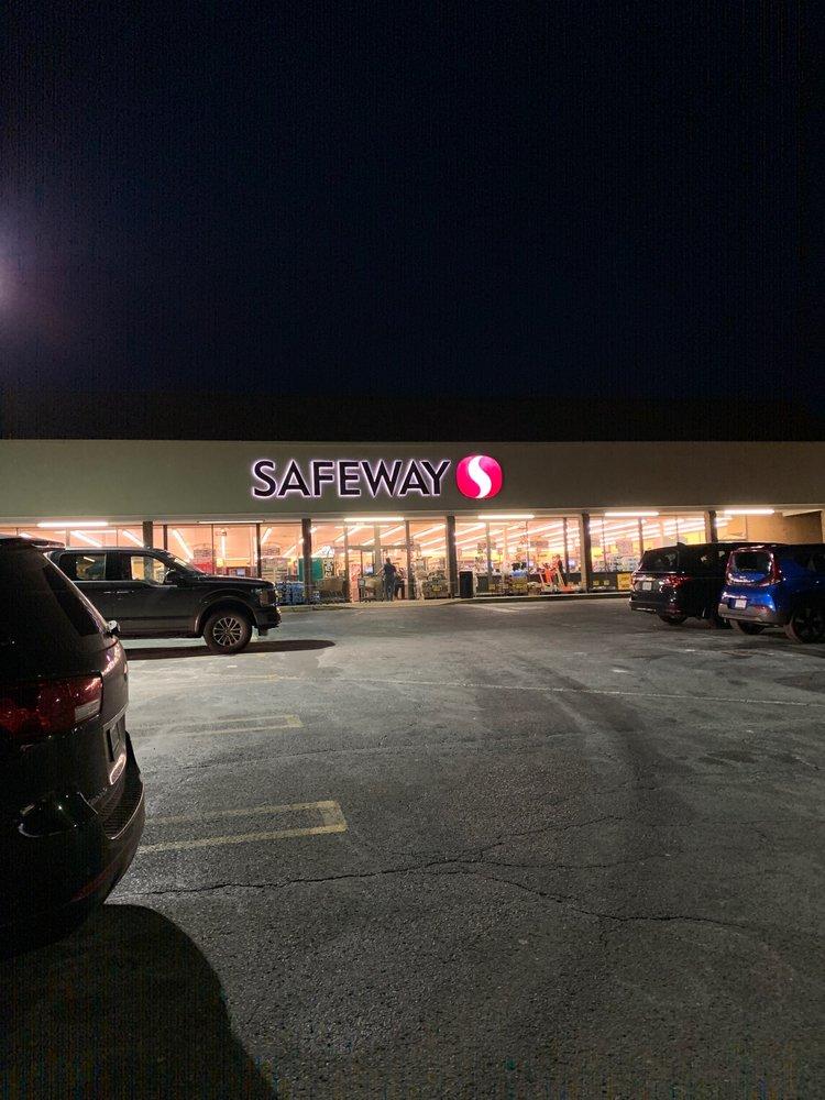 Safeway Food & Drug: 437 S King St, Leesburg, VA