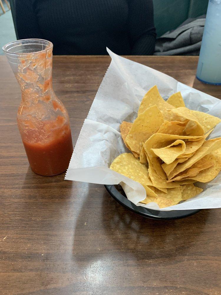 Huatulco Mexican Restaurant: 2035 Bankhead Hwy, Winfield, AL