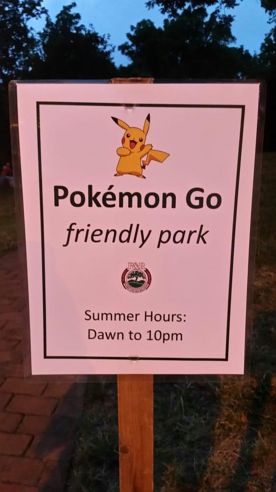 Georgetown Park: 251 S King St, Leesburg, VA