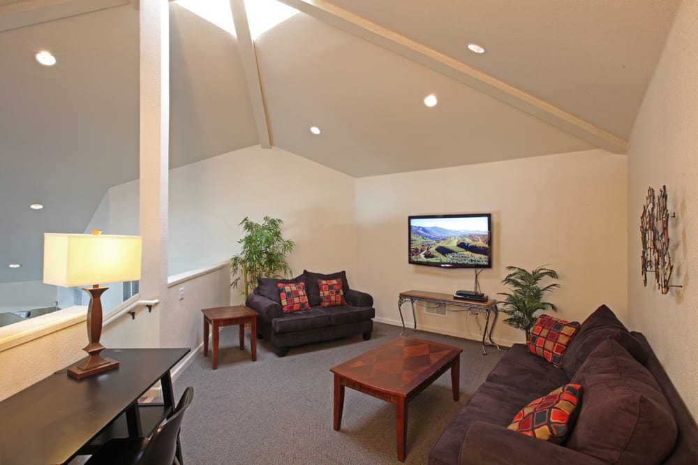 Photo Of Glacier Point Apartments Davis Ca United States Our Clubhouse Loft