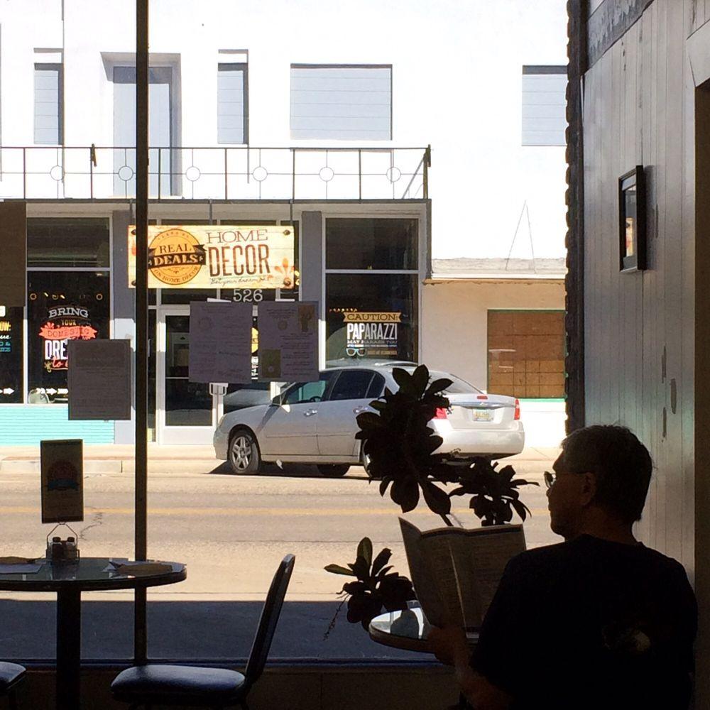 Main Street Cafe: 523 Main St, Safford, AZ