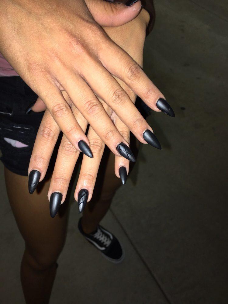 4 Seasons Nails and Spa: 2023 W Guadalupe Rd, Mesa, AZ