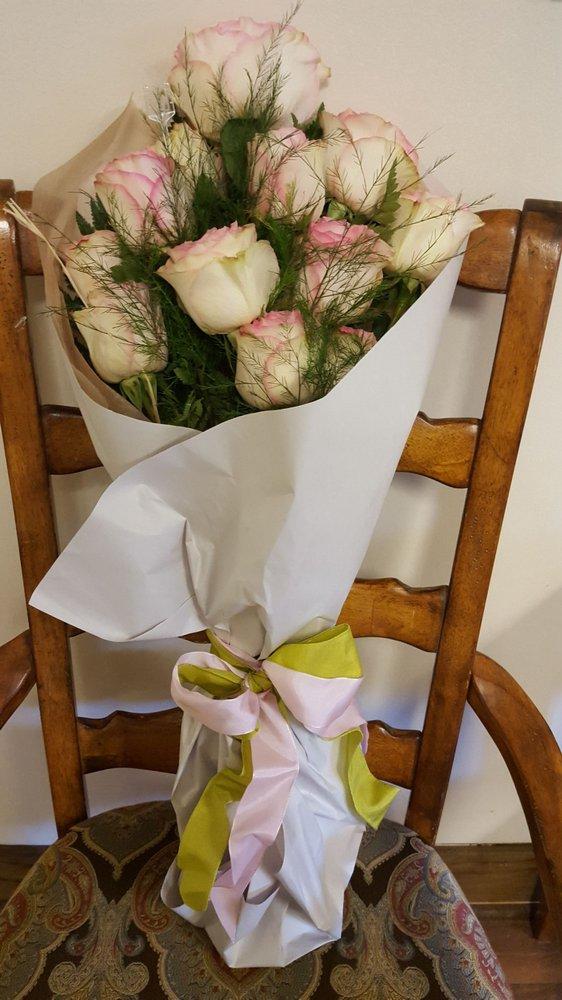 Berry Blossom Flowers: 209 Covington St, Madisonville, LA