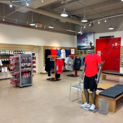 8999c9c7b23f6 New Balance - Rogers - 17 Reviews - Shoe Stores - 1720 W Walnut St ...