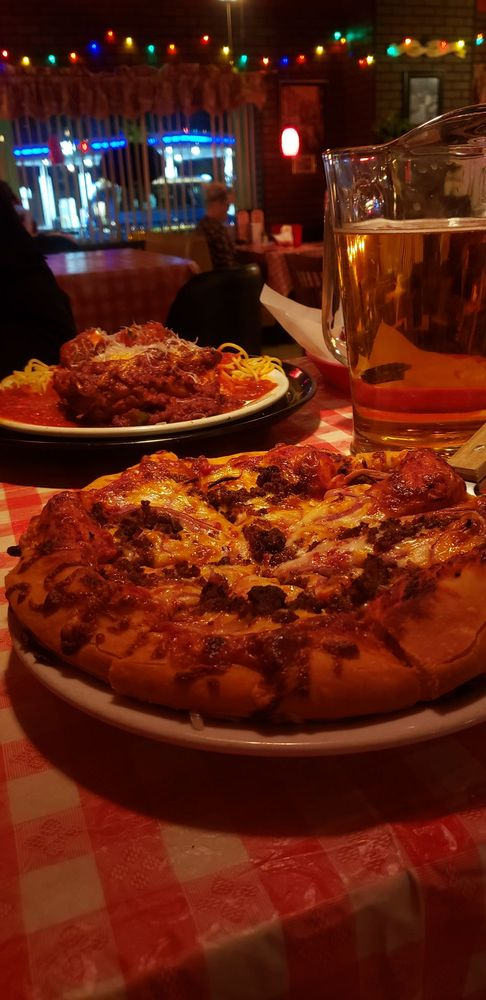 Colianno's Italian Restaurant & Deli: 2200 Hwy 95, Bullhead City, AZ