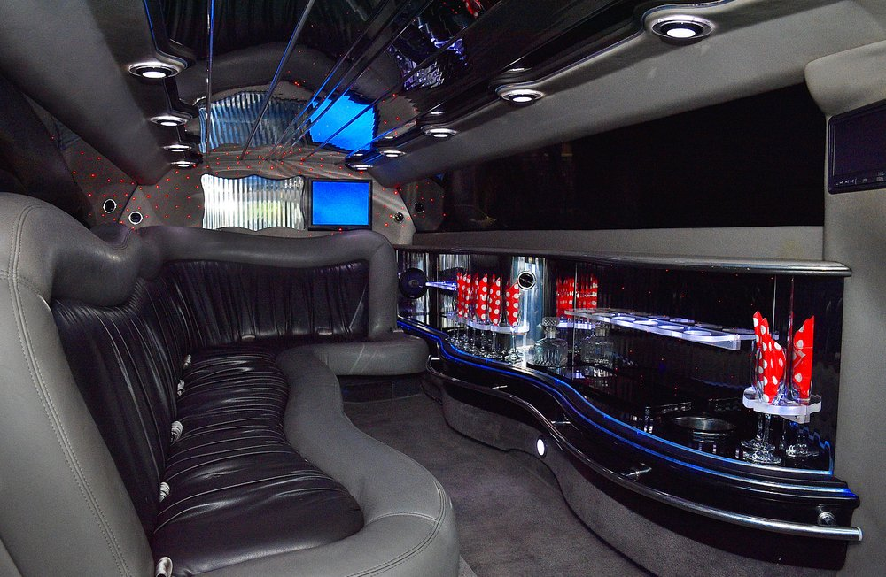 Mid Michigan Limousine: 2442 N Five Mile Rd, Midland, MI