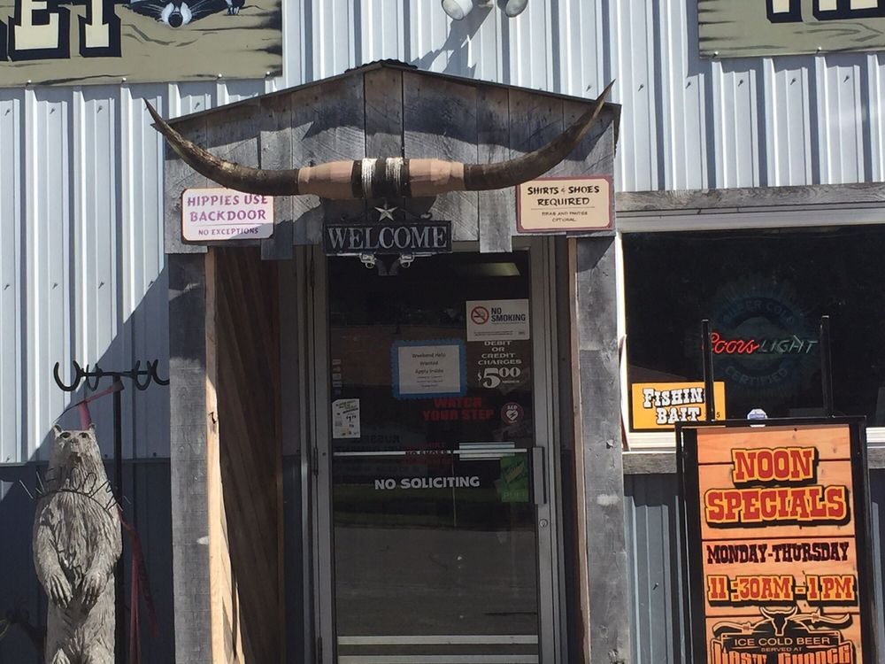 Last Chance: 114 S Prairie St, Russell, IA