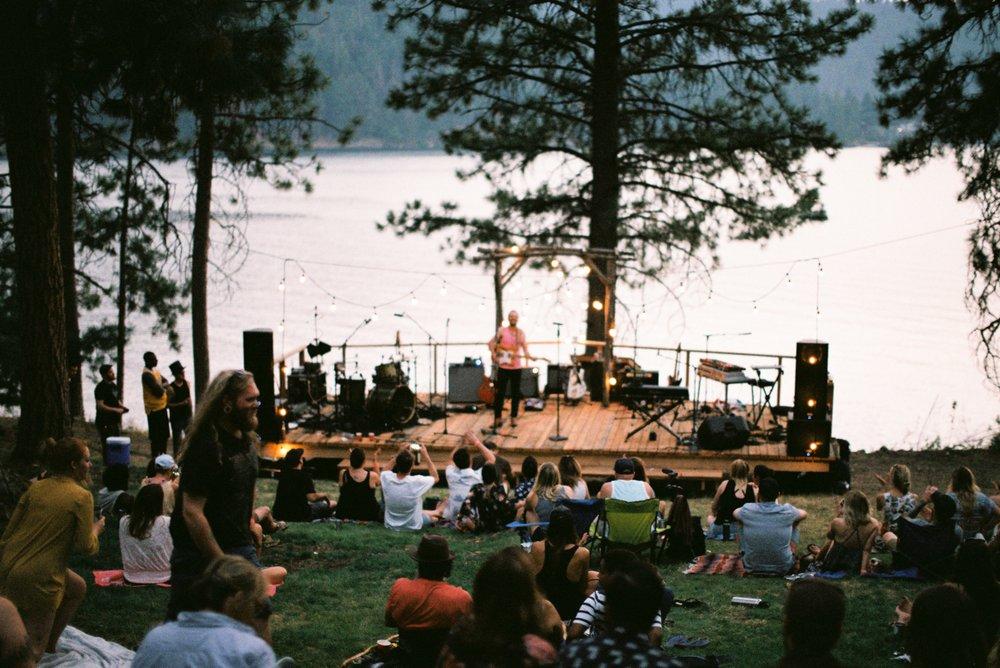 Zephyr Lodge: 1900 S Zephyr Rd, Liberty Lake, WA