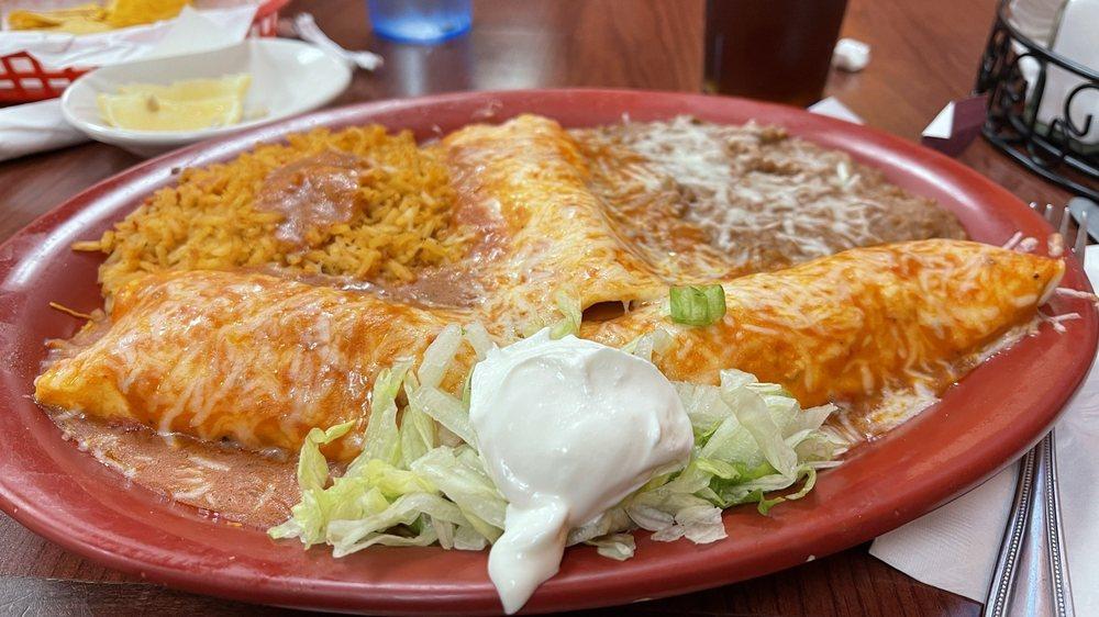 Plaza Morena Campestre Grill: 411 Hwy St W, Dodge Center, MN