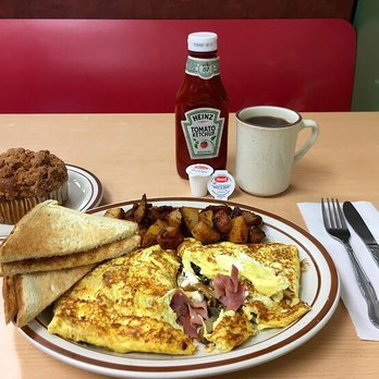 Photo Of Ed S Breakfast Lunch Newton Ma United States Omelette Comes