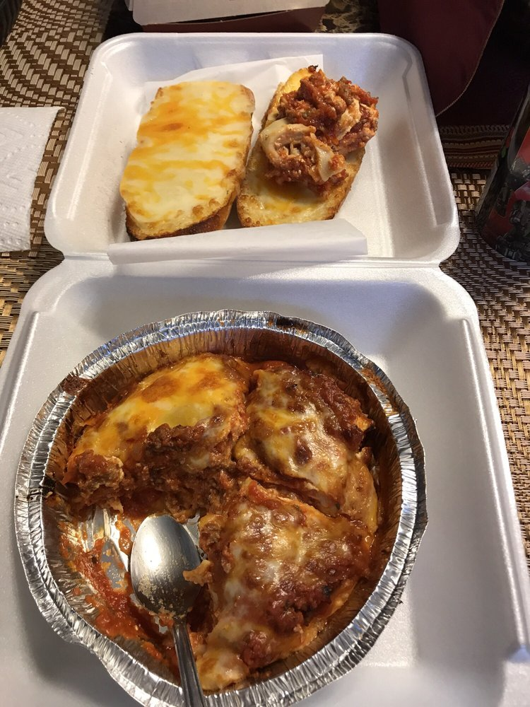 Mizzy's Pizza: 109 E Main St, Belle Plaine, MN