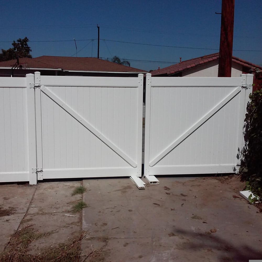 Vinyl gates ft high all white privacy paramount ca