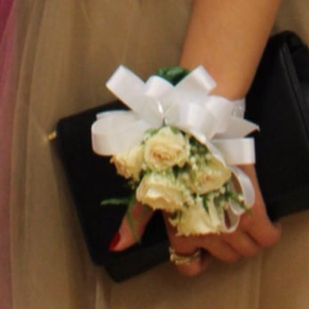 Photo Of Metro Fl Designs Great Neck Ny United States The Corsage