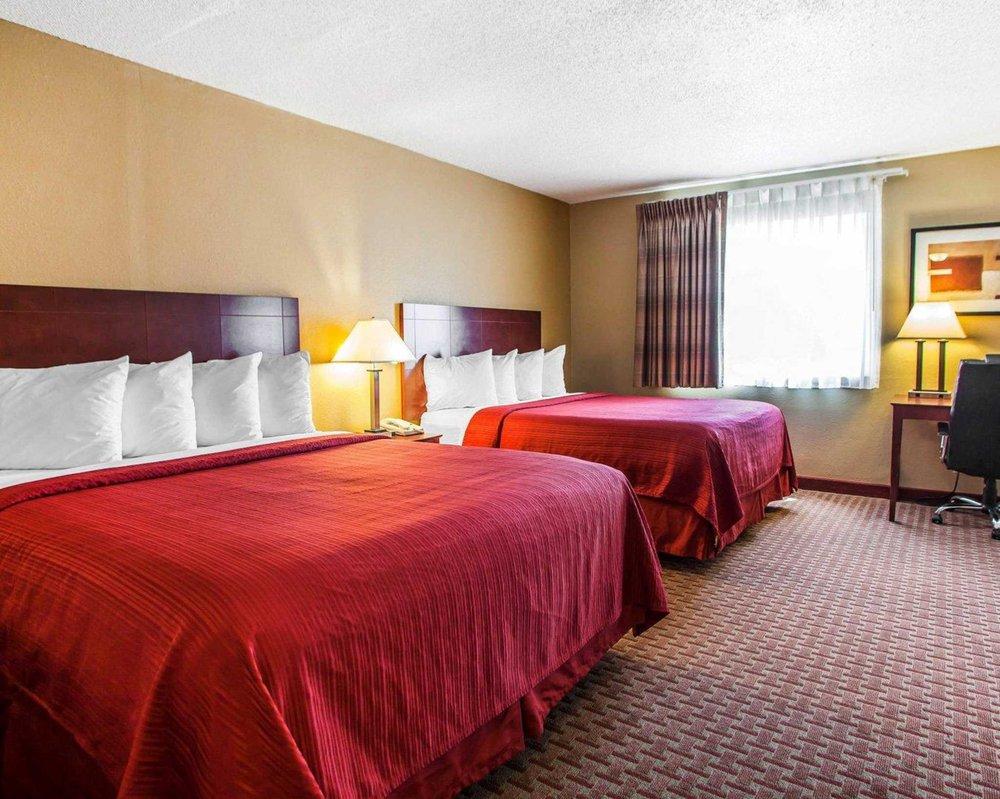 Quality Inn & Suites: 6605 N Brady St, Davenport, IA