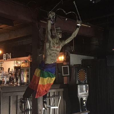 Syracuse university gay bars near me