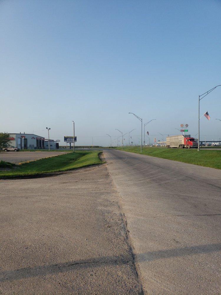 Five Star Truck Center: 4831 S Lincoln Ave, York, NE