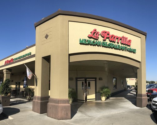 La Parrilla Mexican Restaurant & Bar - 1700 McHenry Ave