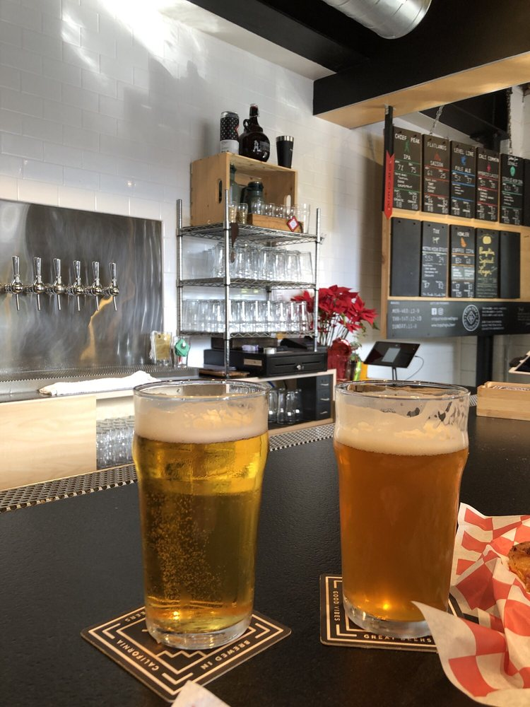 Topa Topa Brewing Company: 104 E Thompson Blvd, Ventura, CA