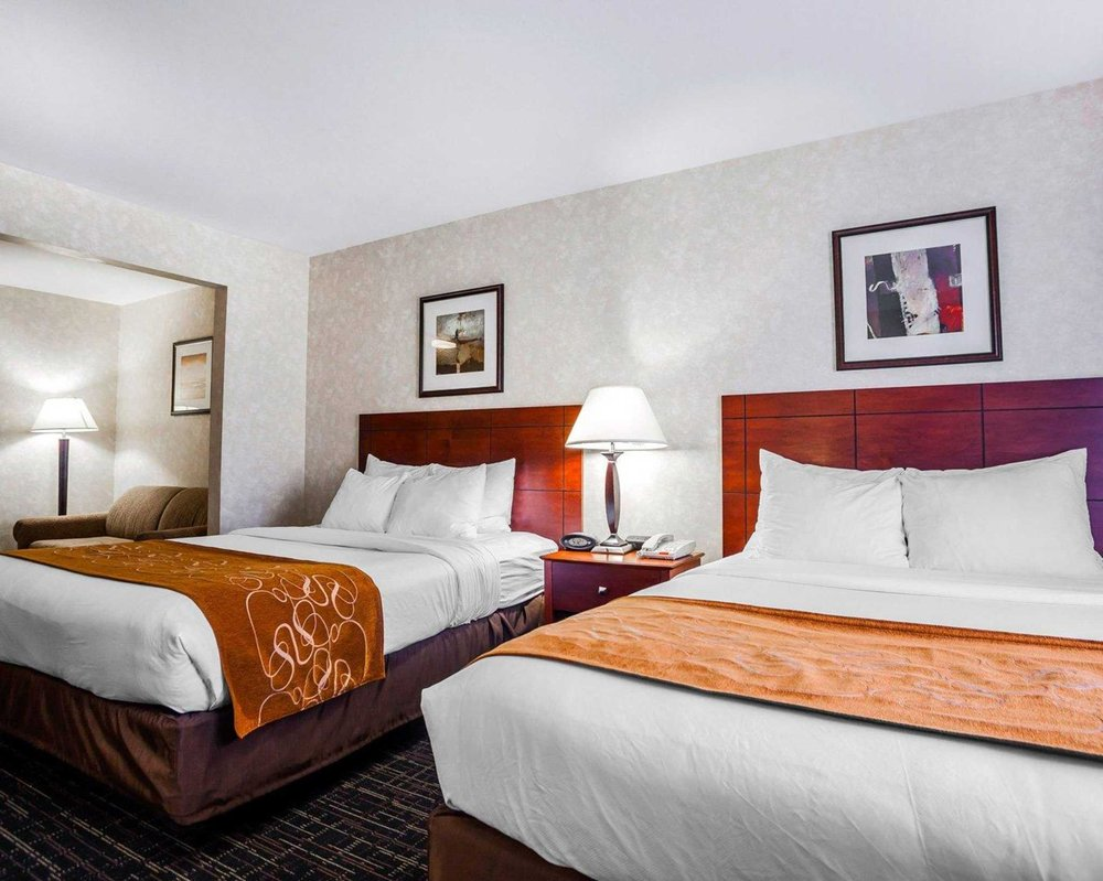 Comfort Suites Independence - Kansas City