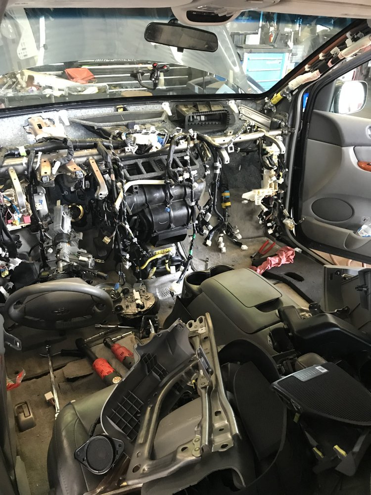 Burke Auto Service Experts: 5765 Burke Centre Pkwy, Burke, VA