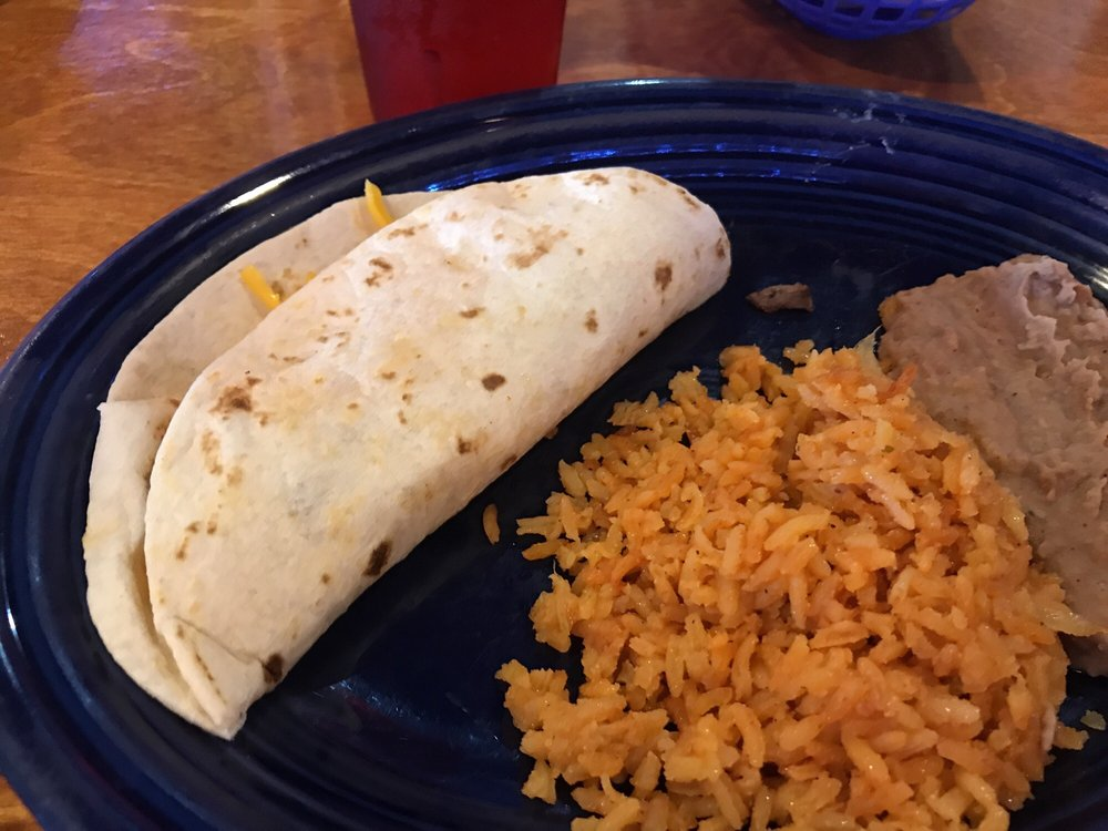 Mi Casa Mexican Restaurant: 908 E Hwy 82, Gainesville, TX