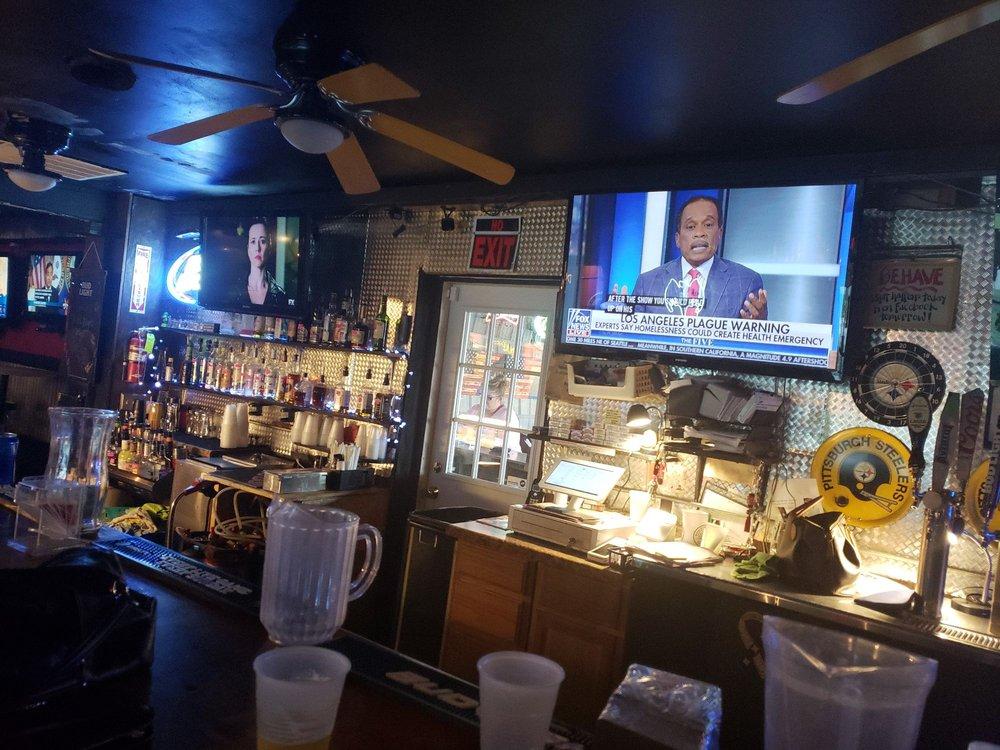Dukenfields Tavern: 4285 Gum Branch Rd, Jacksonville, NC