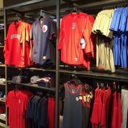 Nike Boston - 26 Photos & 77 Reviews - Shoe Stores - 200 Newbury St ...