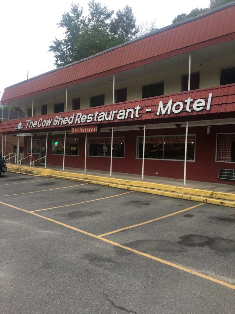 Cow Shed Motel & Restaurant: Pineville, WV