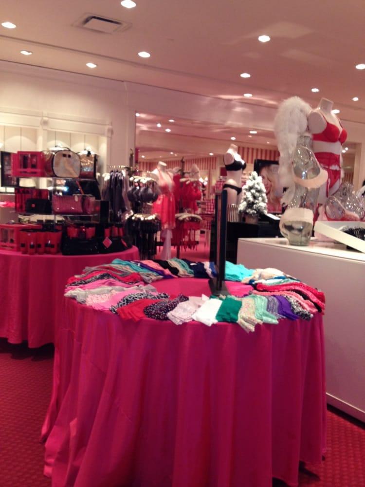 Victoria's Secret: 3065 Route 50, Saratoga Springs, NY