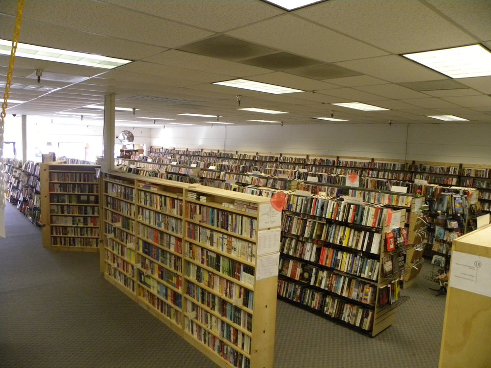 Humane Society of Sierra Foothills Book Store: 13412 Lincoln Hwy, Auburn, CA