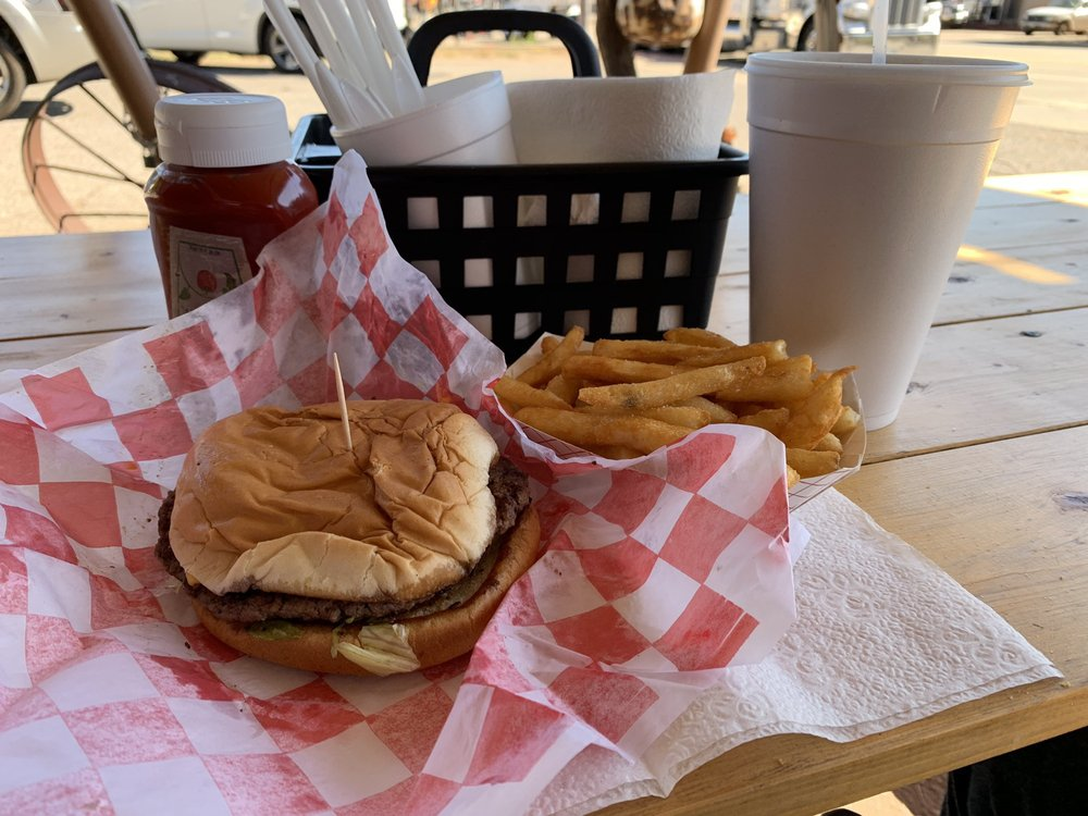 J T's Drive In: 406 Avenue F NW, Childress, TX